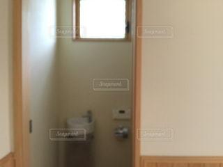 トイレの手洗いの写真・画像素材[2226842]