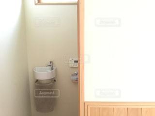 トイレの手洗いの写真・画像素材[2226843]