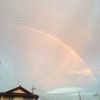 空に虹の写真・画像素材[1203123]