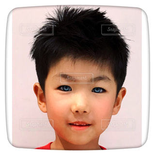 真っ直ぐな瞳の息子の写真・画像素材[1519734]