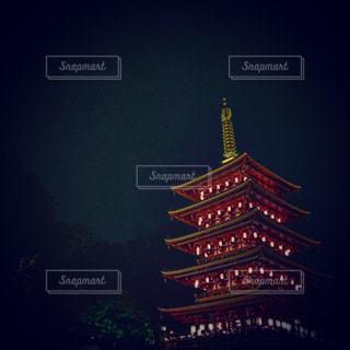 夜の高幡不動尊の写真・画像素材[1203259]