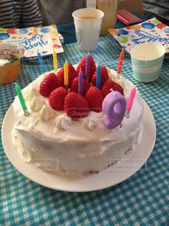 手作り誕生日ケーキの写真・画像素材[1211961]