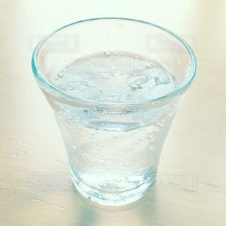 水のグラスの写真・画像素材[1280374]