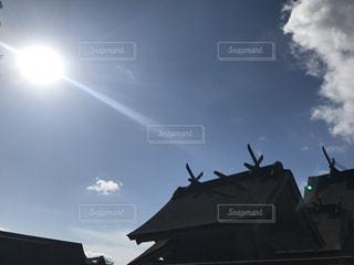 近くに空には雲の上の写真・画像素材[1213179]