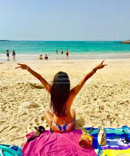 ドバイのビーチで日焼けの写真・画像素材[1211257]