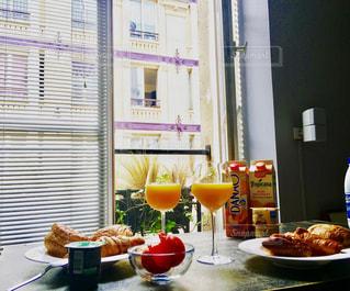 パリでの朝ごはんの写真・画像素材[1214507]