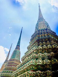 カラフルで荘厳なバンコクの日常の写真・画像素材[1228460]