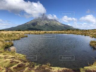 ニュージーランドにある富士山みたいな山の写真・画像素材[1207391]