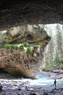 近くの岩のアップの写真・画像素材[1253755]