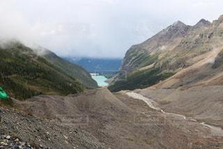 近い背景の岩の山のアップの写真・画像素材[1253789]