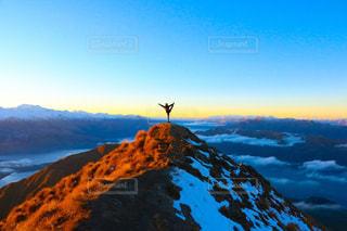 雪の覆われた山々 の景色の写真・画像素材[1316647]