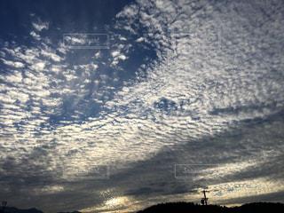 空には雲のグループの写真・画像素材[1629924]