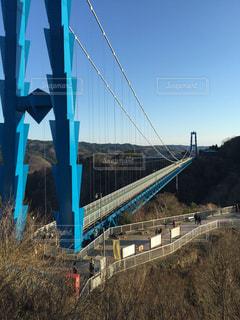 近くの橋の上の写真・画像素材[1216310]