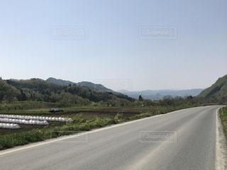 日本の田舎道の写真・画像素材[1210206]