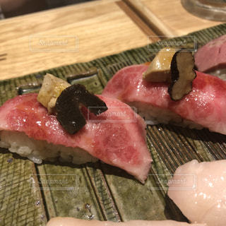 ロッシーニの肉寿司の写真・画像素材[1210156]