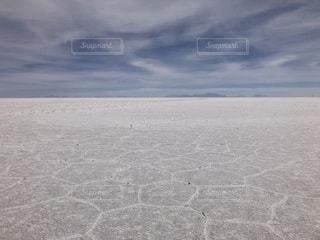 乾季のウユニ塩湖の写真・画像素材[1210594]