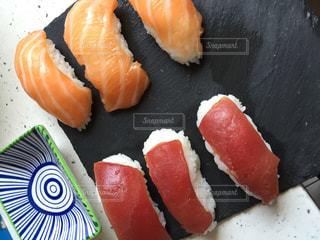 家庭で寿司作りの写真・画像素材[1210745]