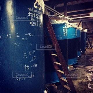 日本酒蔵のタンクの写真・画像素材[12737]
