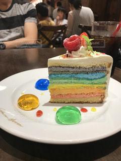 レインボーショートケーキの写真・画像素材[1451812]