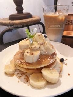 キャラメルナッツバナナパンケーキの写真・画像素材[2306183]