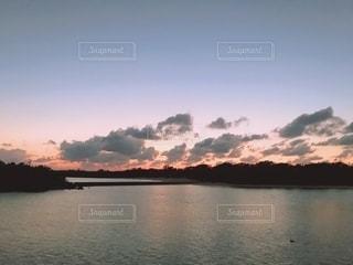 大きな水域の写真・画像素材[2694005]