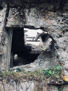 廃墟のコンクリート壁の写真・画像素材[1213596]