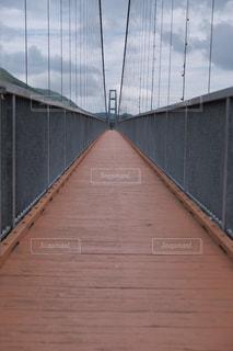 木製の橋の写真・画像素材[1290555]
