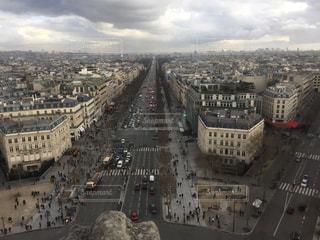 凱旋門からのシャンゼリゼ通りの写真・画像素材[1222139]
