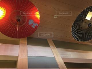 スヌーピーの傘の写真・画像素材[1214745]