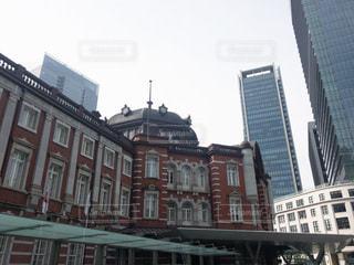 都市の高い建物の写真・画像素材[3368950]