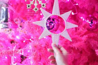 ピンクのクリスマスツリーの写真・画像素材[1258415]