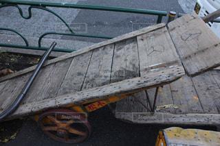 レトロな木製の荷台。の写真・画像素材[1218106]
