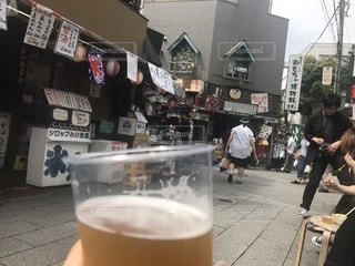 柴又でビールを飲む休日の写真・画像素材[1215055]