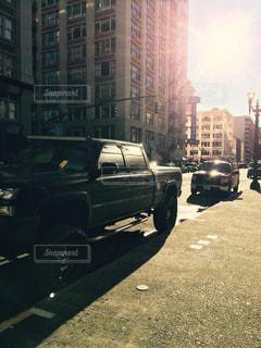 街の通りに駐車の写真・画像素材[1232912]