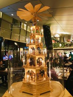 ゴールドのクリスマスツリーの写真・画像素材[1685754]
