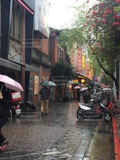 雨の台北市の写真・画像素材[1218771]