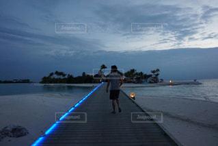 夜のお散歩の写真・画像素材[1282098]