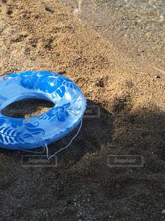 浜辺の忘れ物の写真・画像素材[1221887]