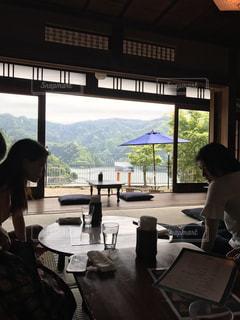 カフェの縁側の写真・画像素材[1222095]