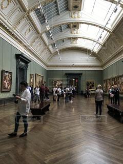 ロンドン・ナショナルギャラリーの一室②の写真・画像素材[1223854]