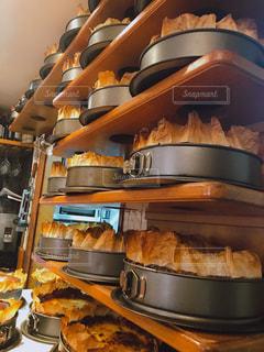 サンセバスチャン・ラ ヴィーニャのチーズケーキの写真・画像素材[2340323]