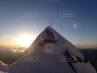 雪の覆われた山々 の景色の写真・画像素材[1222366]