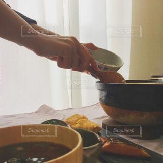 土鍋で朝ごはんの写真・画像素材[2276591]