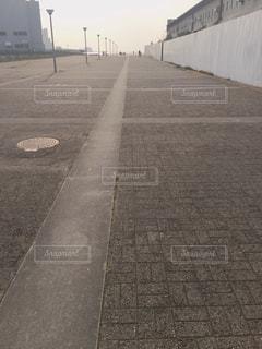 道の端にサインの写真・画像素材[1226342]