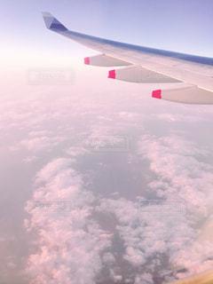ピンクの空の写真・画像素材[1233386]