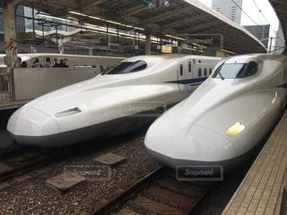新幹線に乗るの写真・画像素材[1514010]