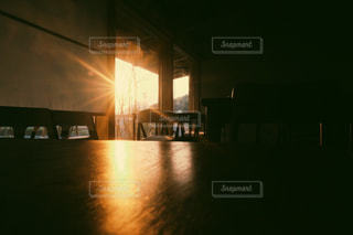 西日が差し込むの写真・画像素材[1228529]