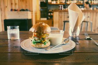 でっかいハンバーガーの写真・画像素材[1228549]