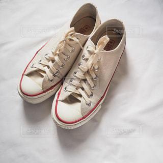 白い靴のペアの写真・画像素材[1227014]
