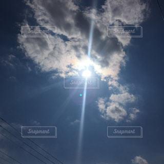 太陽の矢の写真・画像素材[2065923]